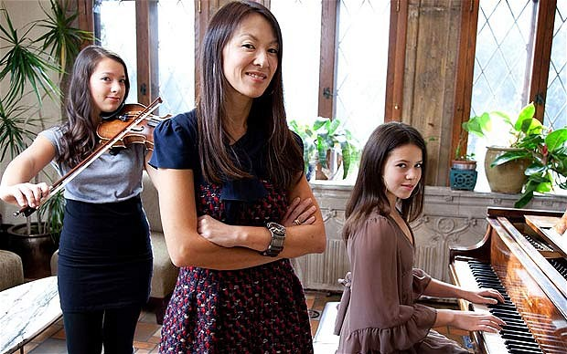Amy Chua and her daughters - who had a TV free chilhood
